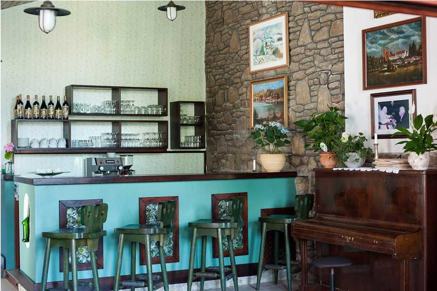 Bar Hotel 4