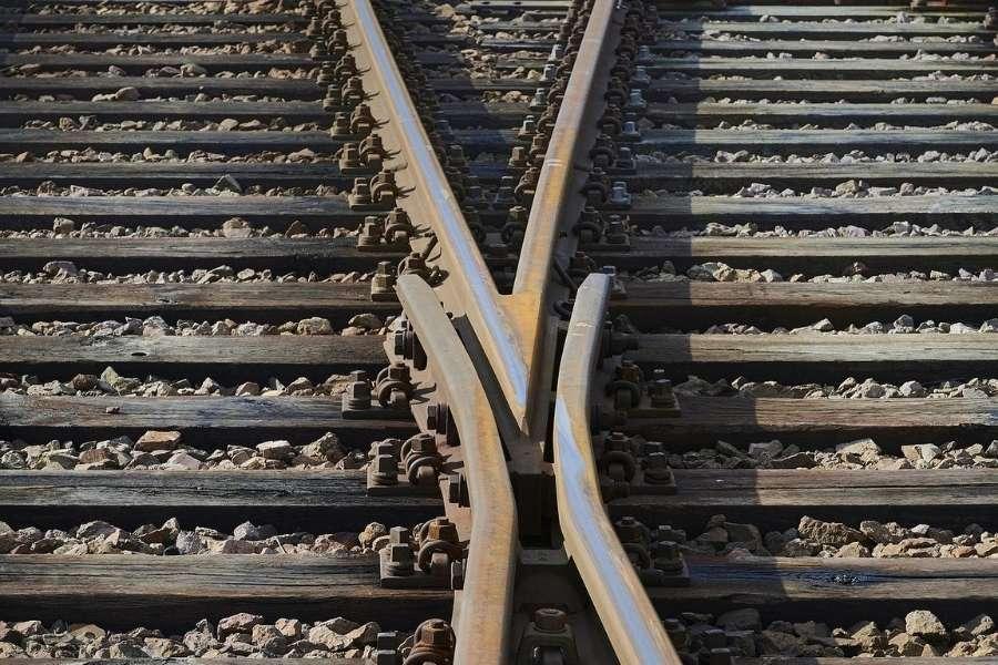 Weggabelung Gleise Schienen